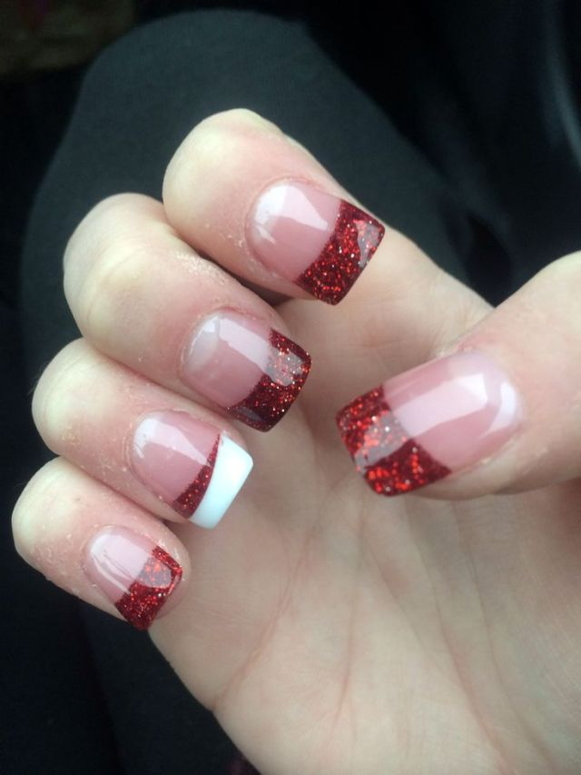 red-christmas-acrylic-nails-would-be-cute-with-any-color-for