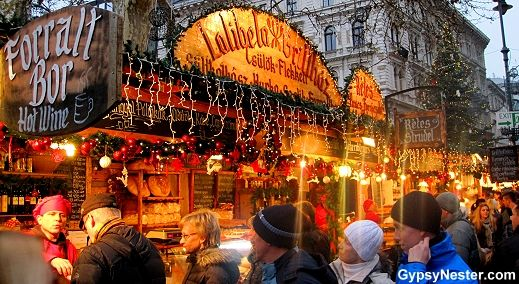 the-christmas-market-of-budapest-hungary