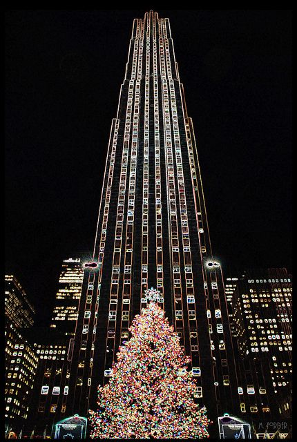 This reminds me of so many movies. I just have to travel to NYC some day. Christmas Tree – Rockefeller Center, NYC