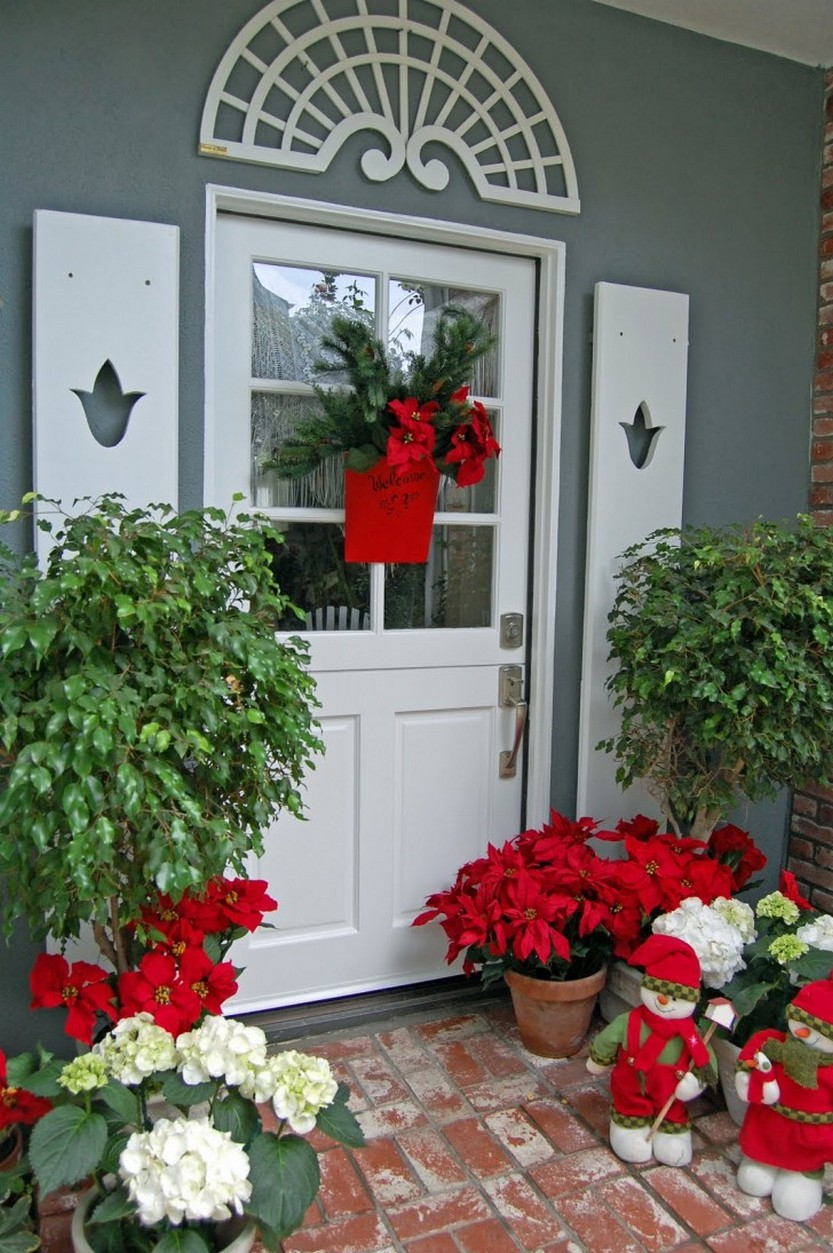 15 Door Decorations For Christmas