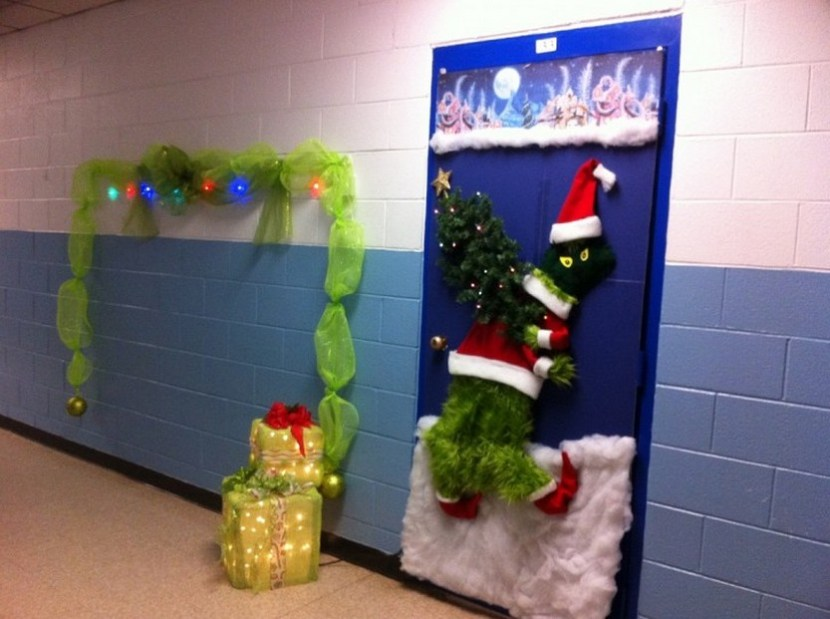 Modern Decorating Door Decorations For Christmas
