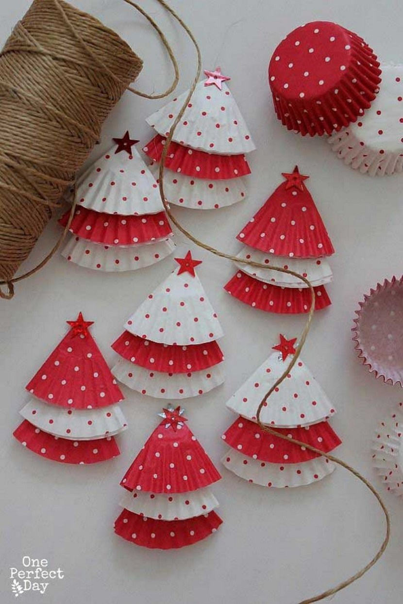 DIY Christmas Garland – use some mini cupcake cases to make some tiny trees