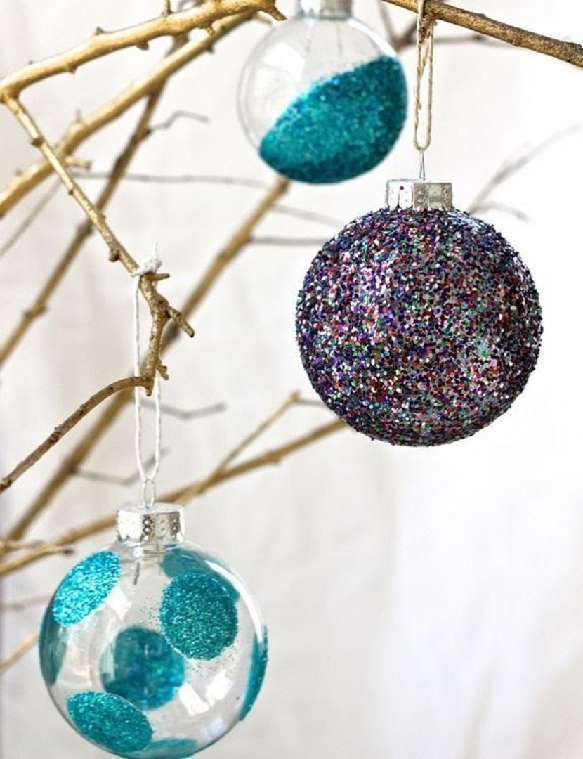 DIY glitter ornaments for the Christmas tree