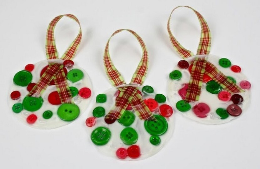 Yogurt lids and buttons Christmas ornaments