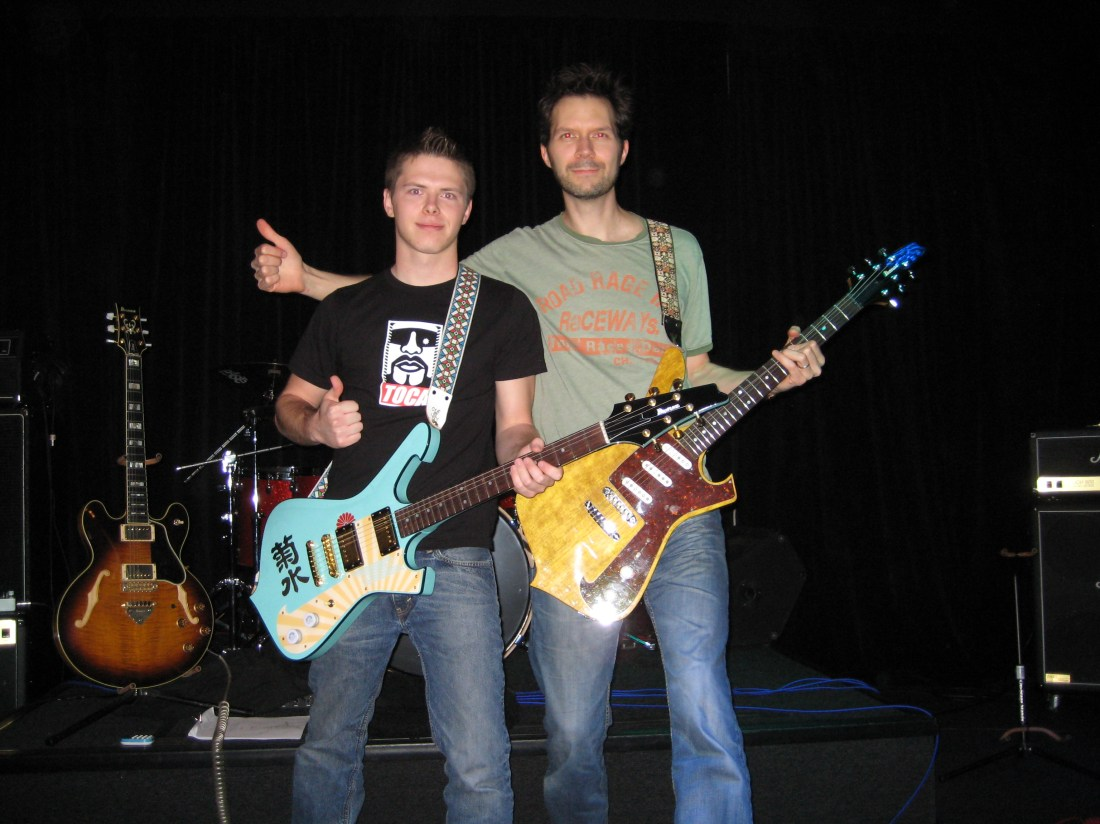 Playing guitar with Paul Gilbert