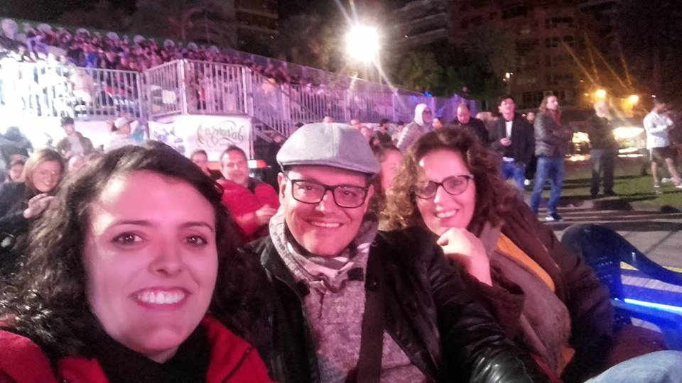 Concurso de murgas de Las Palmas y perritos calientes. ¡Nunca falla! :D