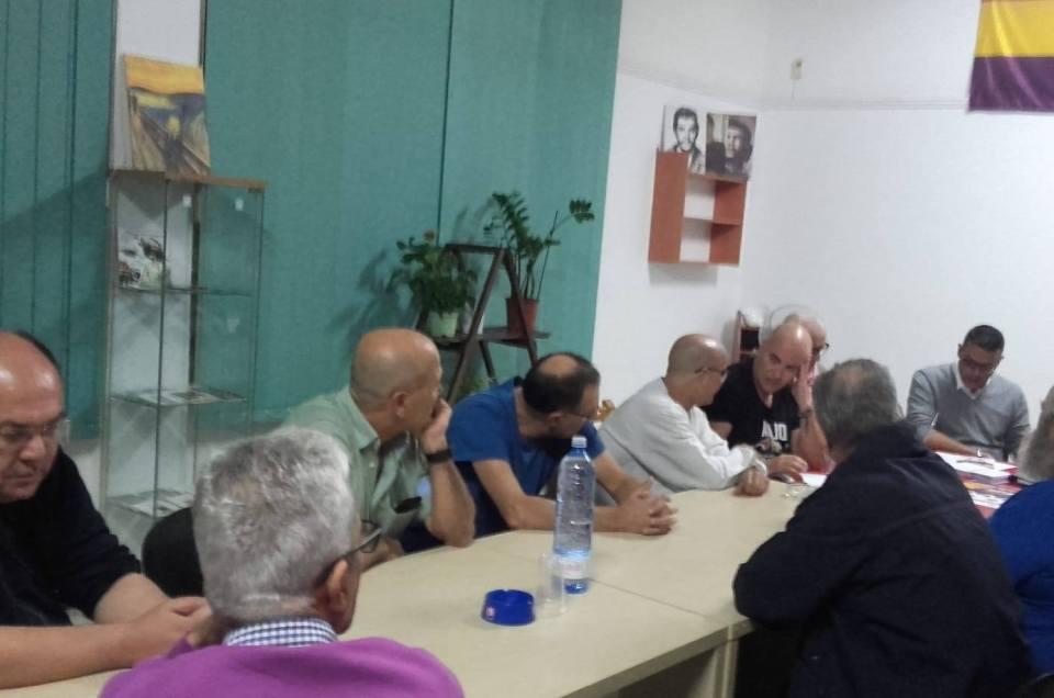 Intensa reunión de trabajo en el Ateneo de Canarias.