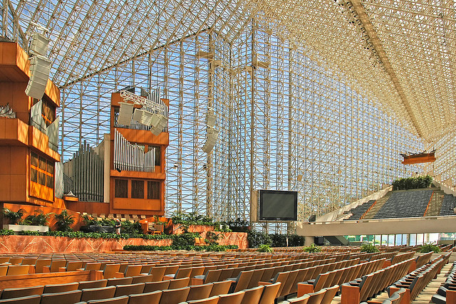 4 Leadership Lessons from the Crystal Cathedral