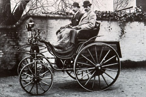 the-horseless-carriage