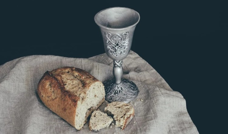 Holy communion scriptures you should know