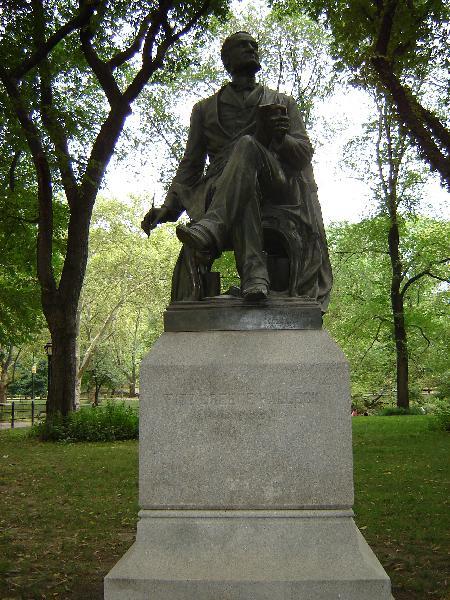 Fitz-Greene Halleck statue in Central Park (WildmooBooks.com)