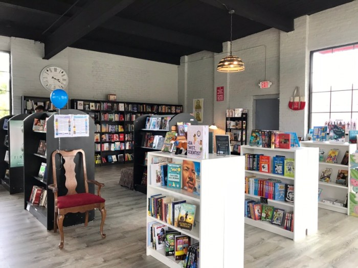 That Bookstore Grand Opening Weekend, Wethersfield, CT (WildmooBooks.com)