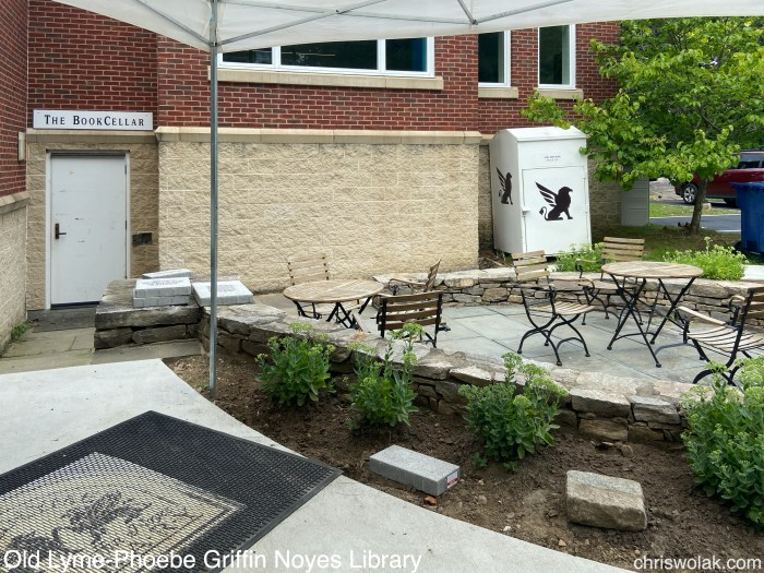 Patio and entrance to The Book Cellar - Old Lyme-Phoebe Griffin Noyes Library