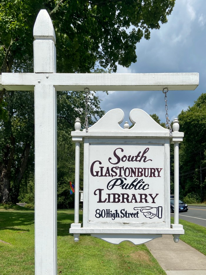Street sign South Glastonbury Public Library (chriswolak.com)