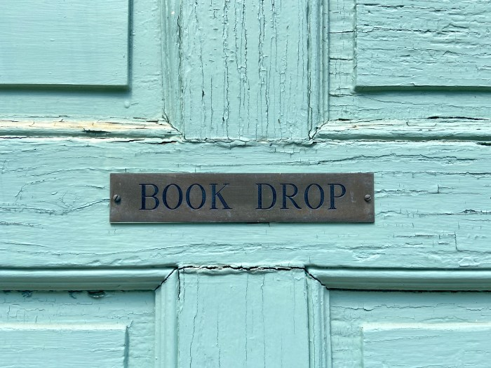 Book Drop South Glastonbury Public Library (chriswolak.com)