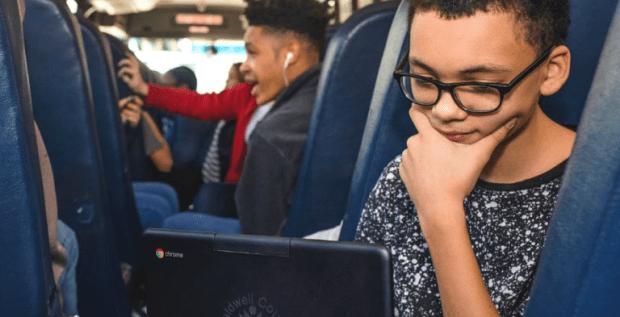Etats-Unis : des bus scolaires équipés de Chromebooks