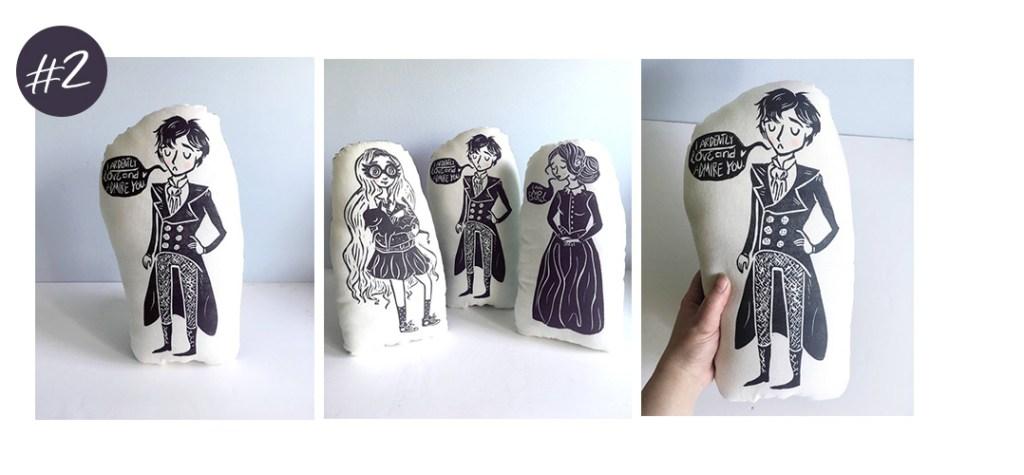 Le coussin Mr. Darcy imprimé à la main de LauraFrisk