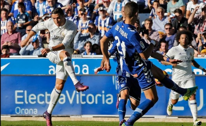 Cristiano Ronaldo scores for Real Madrid against Alaves
