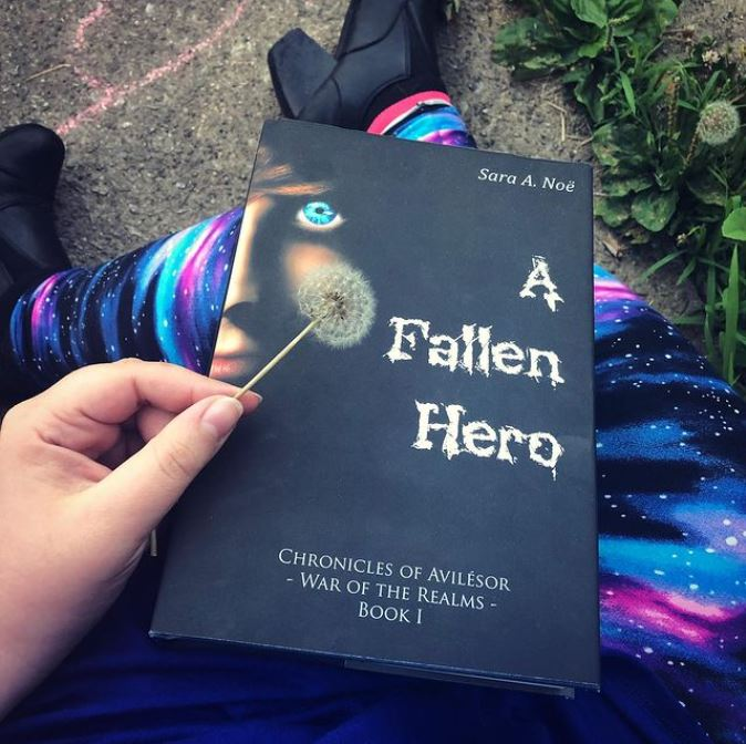 A Fallen Hero #bookstagram by @chroniclefocuseditorial
