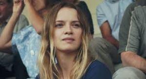 Sara Forestier, dans le rôle de Suzanne, l'amoureuse à moitié folle