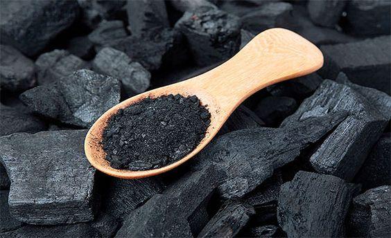 charbon vegetal acné