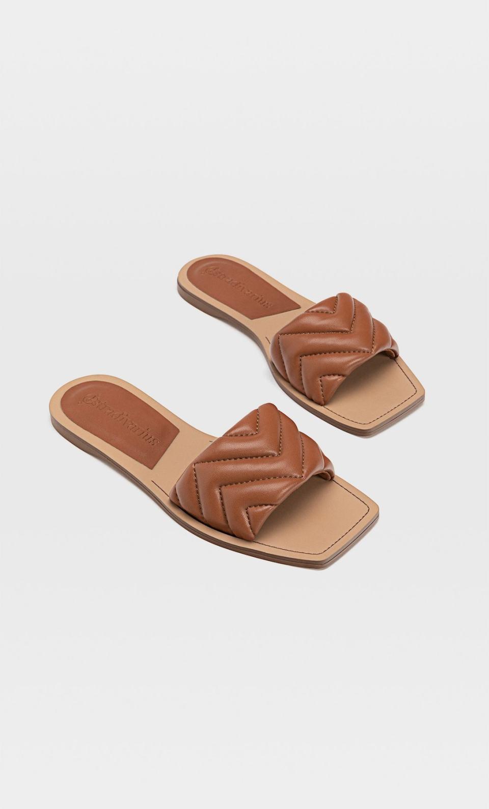 sandales plates marrons