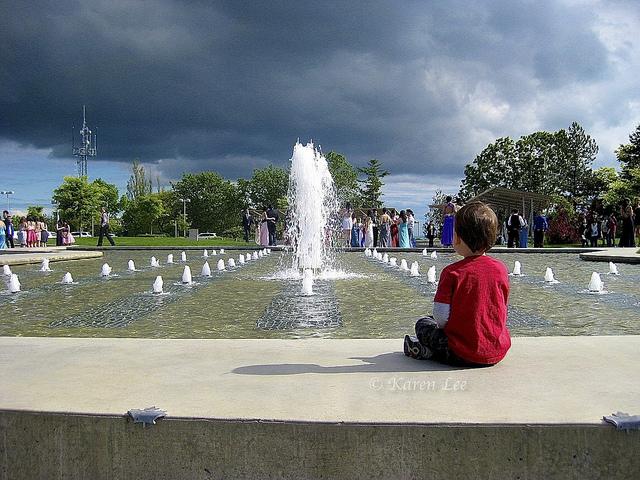 Enfant en pleine méditation contenplative