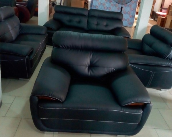 Black 7 Seaters LG Leather Chair