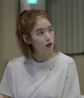 Image from http://unstoppablesun.com/2016/03/17/descendants-of-the-sun-ep-8-recap/