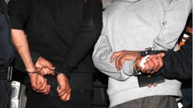 الأمن يكشف عملية تهريب شخصين لكميات من مخدر الشيرا في أمعائهما بالعيون..