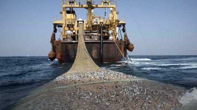 """""""تباطؤ"""" المغرب في تفعيل اتفاق الصيد.. يثير سخط القوارب الإسبانية"""