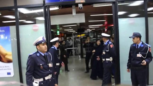 السلطات المغربية تحقق في قضية العثور على سلاح أبيض في طائرة قادمة من فرنسا..