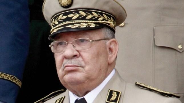 """أحمد قايد صالح يحذر من """"الانسداد"""" والانزلاق للعنف والفوضى بالجزائر.."""