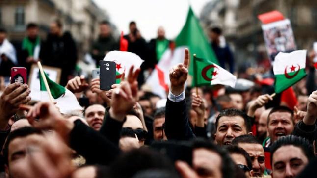 الجزائر تحتج في الجمعة الـ14 للتخلص من رموز نظام بوتفليقة