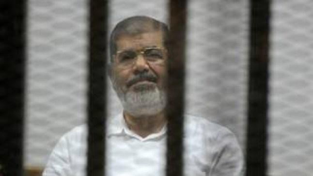 """عاجل. وفاة الرئيس المصري الأسبق """"محمد مرسي"""" في المحكمة"""