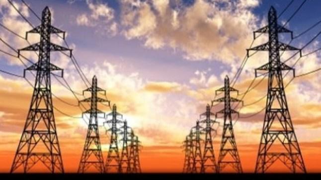 إسبانيا تطالب الاتحاد الأوروبي بفرض «الضريبة عبر الحدود» على كهرباء المغرب..