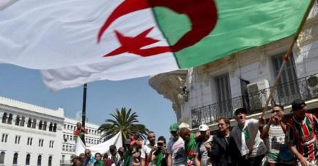 """فريق الحوار الجزائري يختار """"لجنة حكماء"""" من 41 شخصية لإيجاد مخرج من الأزمة"""