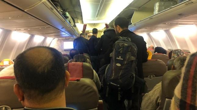 """تفاصيل ليلة الرعب التي عاشها مسافرو العيون والداخلة على متن طائرة """"أكادير"""""""