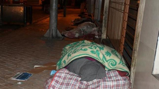 برلمانيون يطالبون الحكومة بتوفير مأوى للمشردين