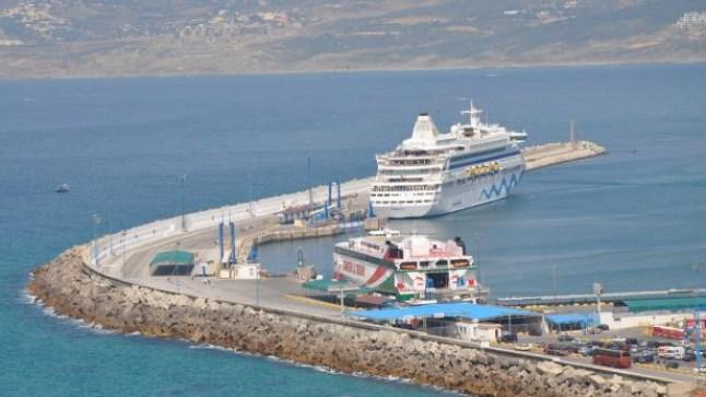 المغرب يجهز سُفن نقل الجالية بمختبرات للكشف عن فيروس كورونا