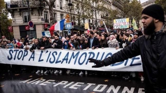 هيومن رايتس ووتش: فرنسا تحاول منع المسلمين من الدفاع عن حقوقهم والاحتجاج على الظلم