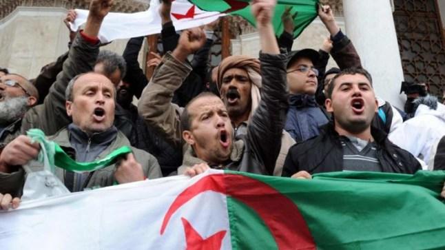"""تقرير فرنسي يشعل غضبا بالجزائر بعد إهمال مطالب الجزائريين لفرنسا بالاعتذارعن """"جرائمها إبان الاستعمار"""""""