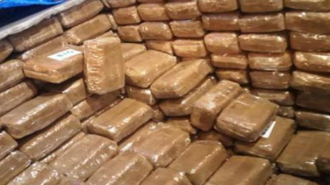 إتلاف ما يقارب 14 طنا من مخدر الشيرا بالداخلة