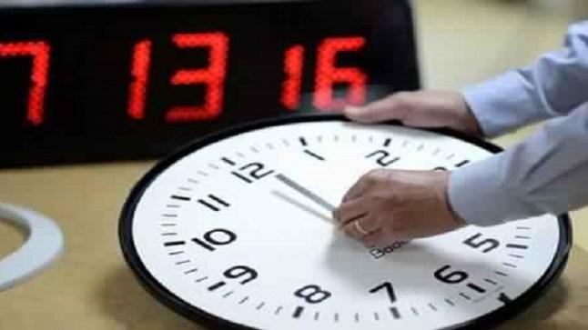 شبكة مغربية تطالب الحكومة في أولى اجتماعات مجلسها بإلغاء قرار تثبيت الساعة الإضافية