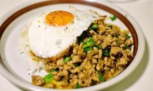 ガパオライス(ガパオ炒めご飯)