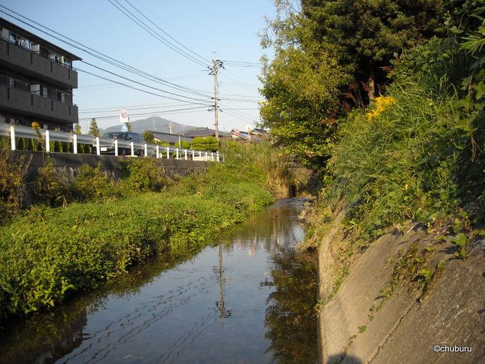 砂子多川の「かっぱ石」