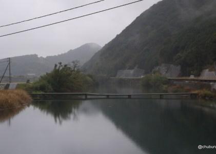粟野川の沈下橋を渡って来ました。