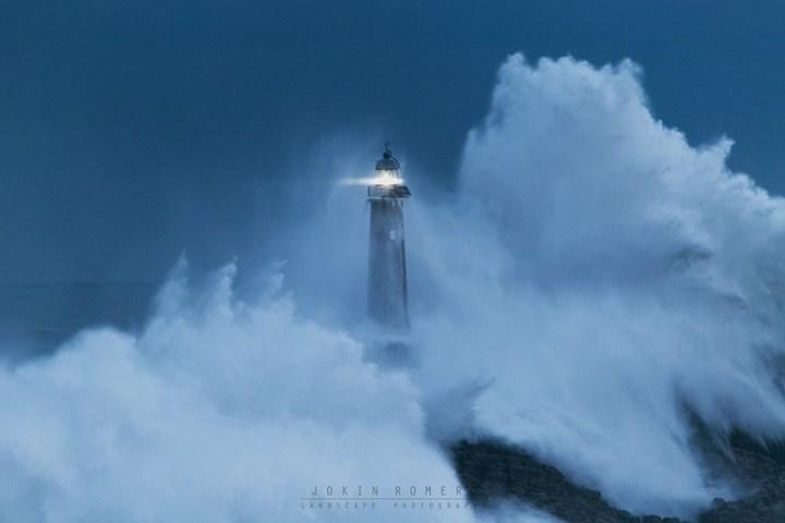7700760-R3L8T8D-900-amazing-lighthouse-landscape-photography-17