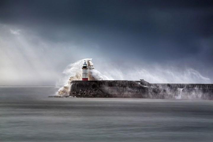 7701210-R3L8T8D-900-amazing-lighthouse-landscape-photography-7