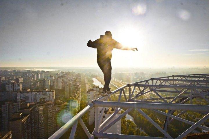 ukrainian-daredevil-hangs-from-buildings-mustang-wanted-13
